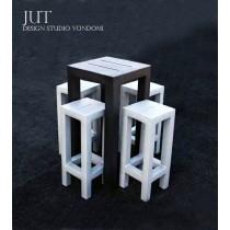 Ensemble de Jardin JUT, 1 Table haute + 4 Tabourets, Design by Studio VONDOM
