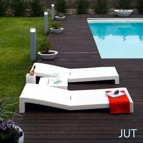 JUT, Ensemble de 2 Bains de soleil et table basse, Design Studio VONDOM