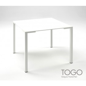 Table TOGO Indoor/Outdoor, 69 X 69cm à 89 x 89 cm, Design by PEDRALI R&D